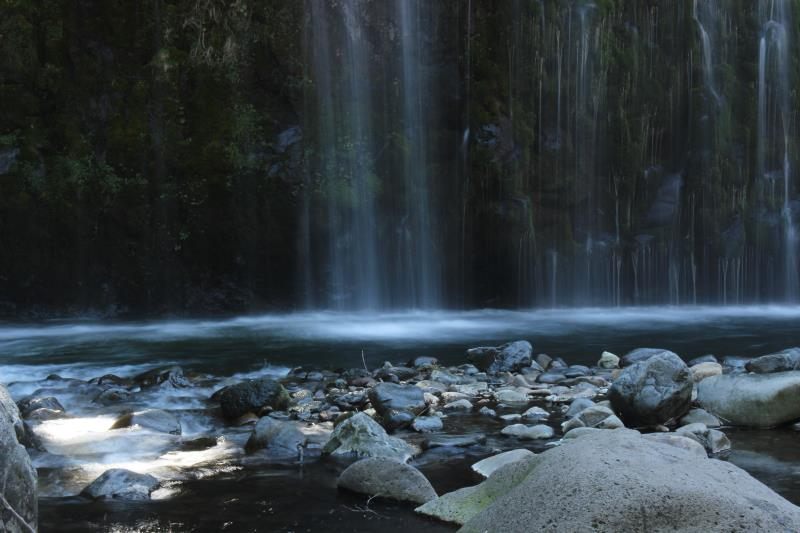 Mossbrae Falls with rocks