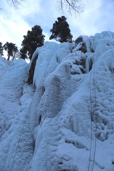 Climbing ropes and route in Ouray Ice Park