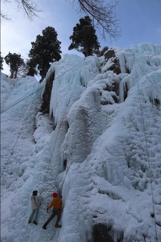 Climber in Ouray Ice Park with guide
