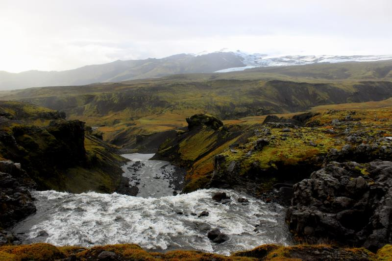 Glacier and river seen from Fimmvörðuháls Trail